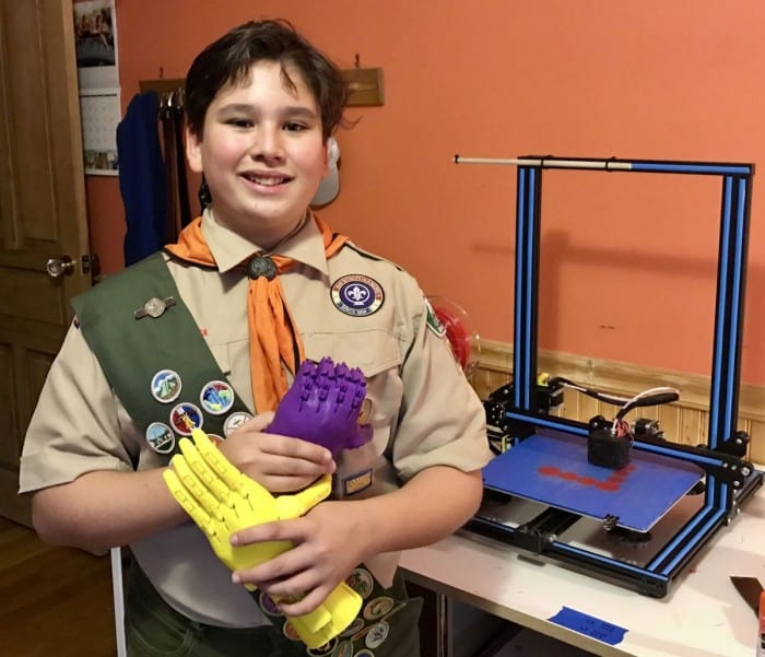 Princeton Academy student organizes event to build prosthetic hands using 3D printers